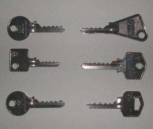 Bump keys pour serrures paracentriques